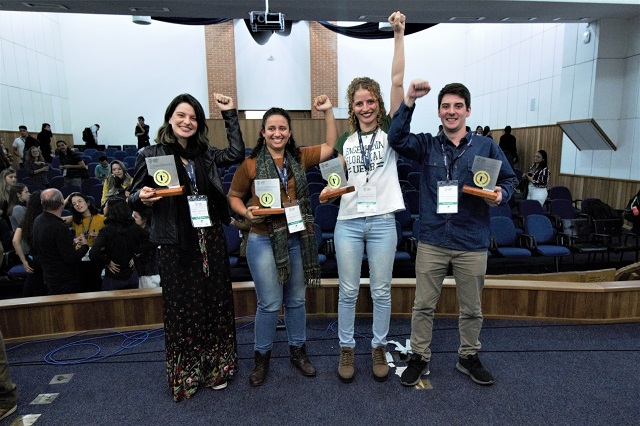 Foto: Equipe vencedora do Talento Florestal 2019: Brenda Alencar (UFVJM), Mayara Biliati (ESALQ), Carmela Scipioni (UESB) e Gabriel Alvarenga (UFPR).